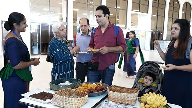 Sri Lanka Tourism Celebrates World Tourism Day with Foreign Guests at Bandaranaike International Airport (BIA)