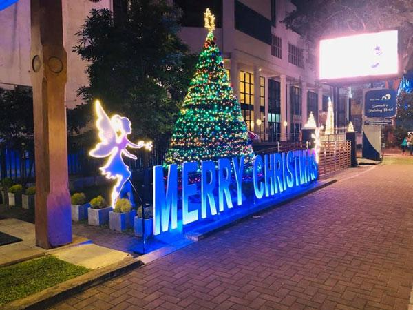 Sri Lanka Tourism shares the spirit of Christmas with local & foreign tourists